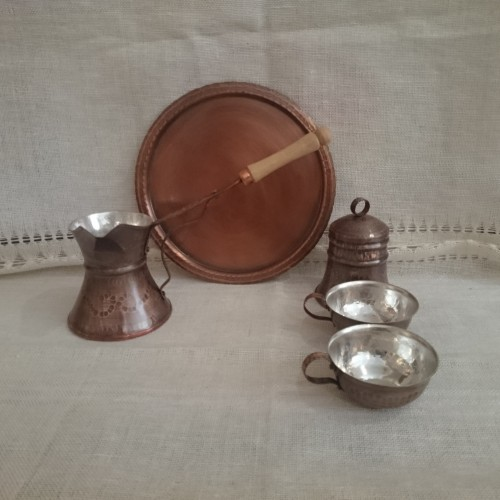 Copper coffee service with a set of 2 cups