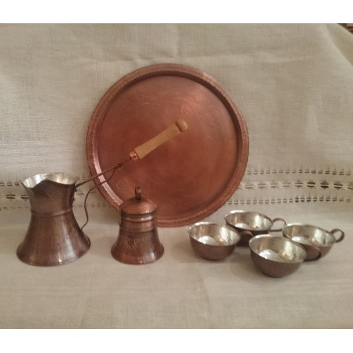Copper coffee service with a set of 4 cups